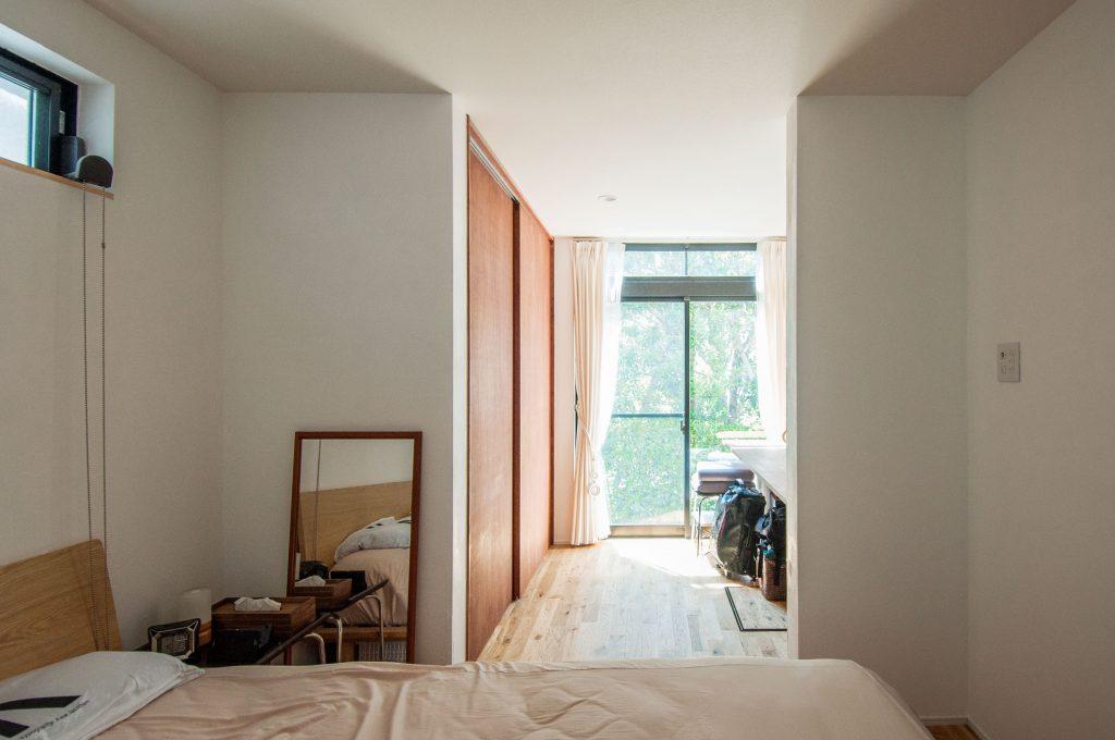 寝室にあるワークスペース